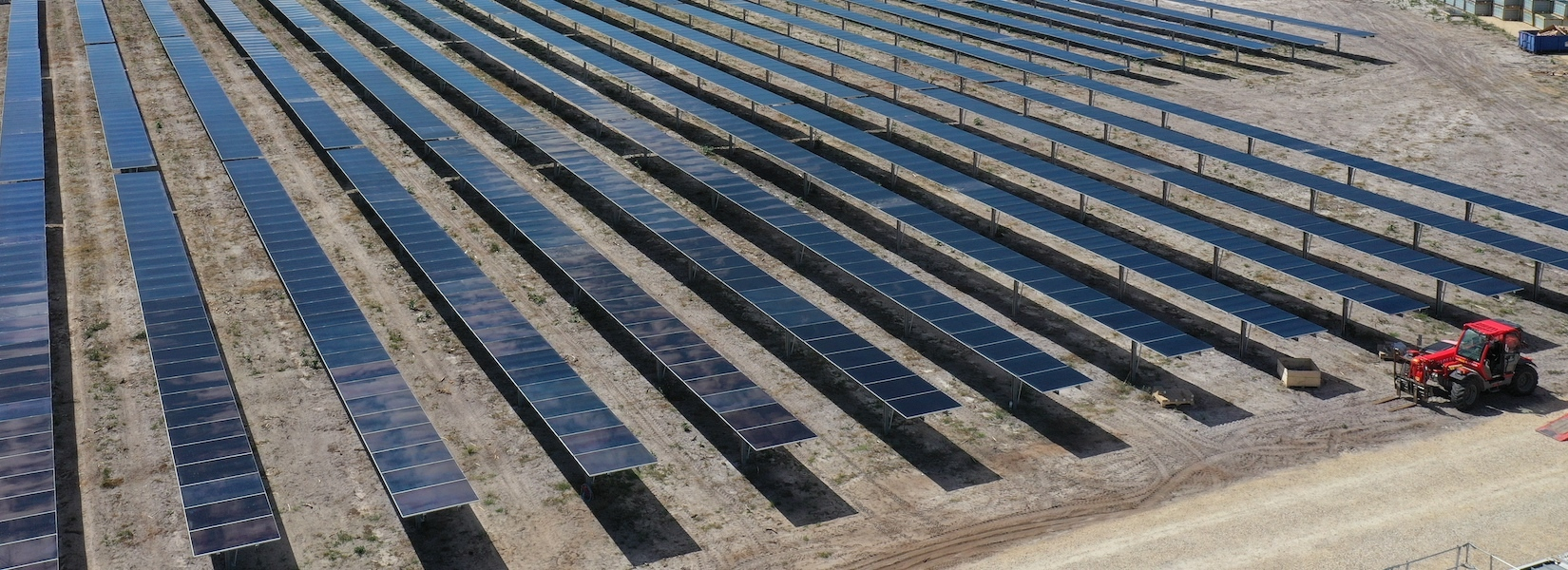 Carroussel parc photovoltaique de pontenx %2840%29 1650x600